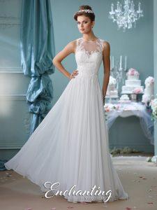 enchanting-outdoor-wedding-dress